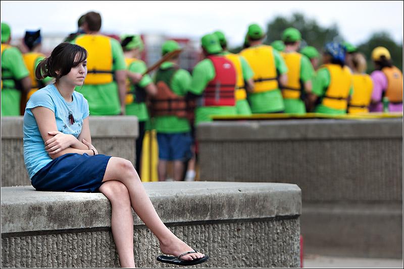 IMAGE: http://images2.fotop.net/albums2/isp/2008dragonboats/6K2J2687.jpg